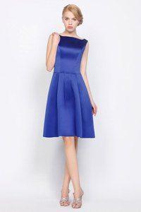 vestido-de-cocktail-de-saten-color-azul-600x900